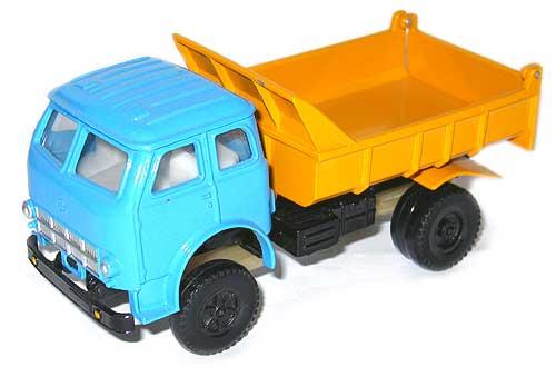 коллекционная модель автомобиля Маз в